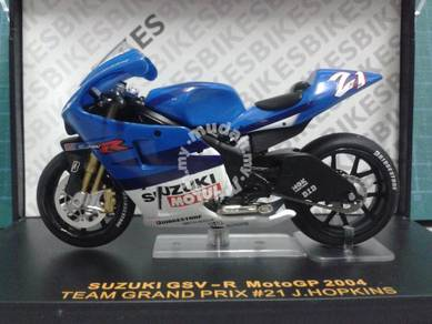 2004 Moto GP Team Grand Prix Suzuki GSV-R