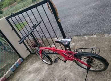 Sebuah basikal lipat utk djual