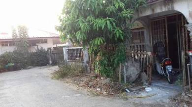 Rumah teres di melor untuk dilepaskan murah-murah