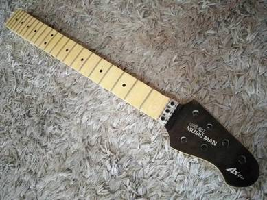 Guitar neck musiman scallop