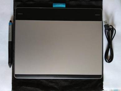 Used Wacom Pen and Touch Medium Tablet (CTH680)