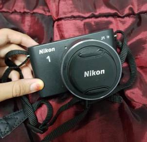 Nikon 1 J1 Black Colour