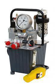 Drive hydraulic torque wrenches electric