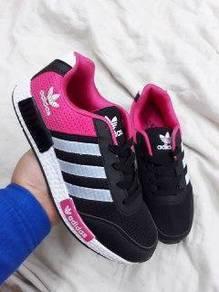 Kasut sport pink black