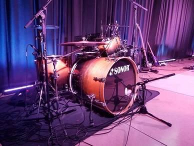 Sonor force 2015 4 piece birch drum kit with case