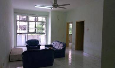 Basic unit well clean and move in condition, Lagoon Perdana. Sunway