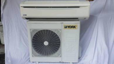 2.5 York 2.5hp aircond 2.5 hp York wall air con