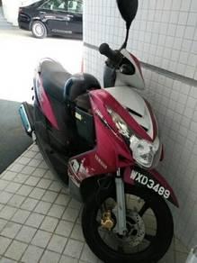 Lady owner Yamaha Ego