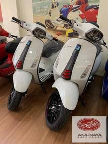 Vespa SPRINT 150 ABS CARBON WHITE LIMITED EDITION