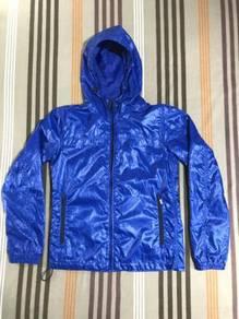 UNIQLO Windbreaker Jacket - ajim bundle
