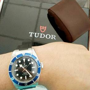 Tudor black bay blue bezel