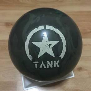 Motiv Tank Bowling Ball