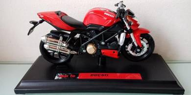 Ducat Streetfighter S 2010