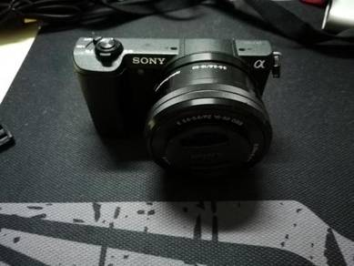 Used tip top Sony A5100 (Black) Inc Lens