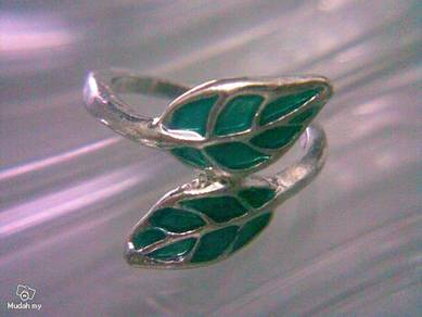 ABRSM-L011 Green Leaf Silver Metal Ring Size 7.5