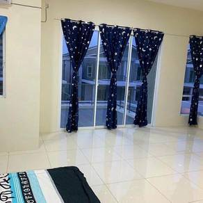 Master Room For Rent at Raintree Park 1