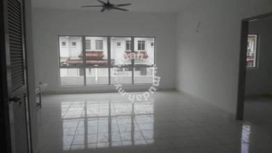Lagoon Villa Kota Kemuning Townhouse For Rent