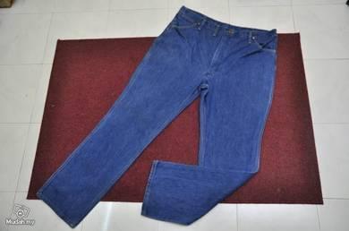 Wrangler jeans size 40