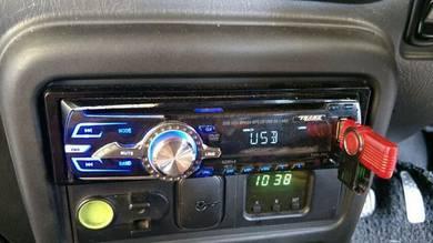 Radio player kereta