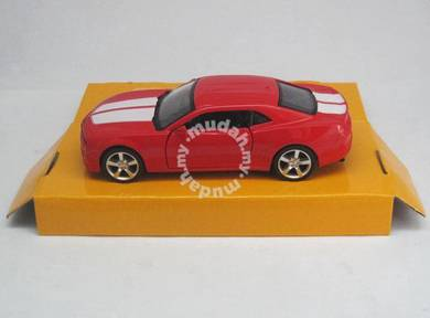 Chevrolet camaro 1:36 diecast car (Red)