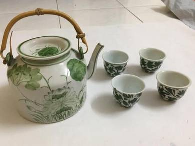 Antique Teko Green Flower Leaf Pot Cawan With Cup