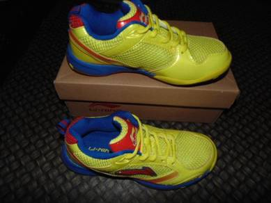 Kasut Badminton LI NING size 40 Yellow Color