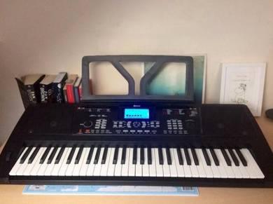 Schubert 61 key Midi Electric Keyboard