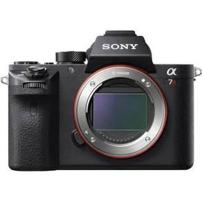 BRAND NEW Sony a7r ii body + 64gb card