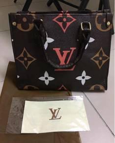 Handbag Ly new