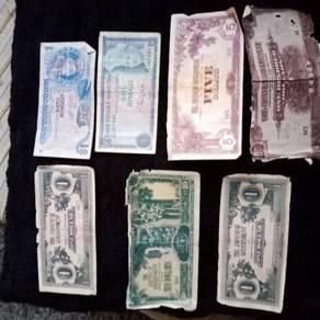 Koleksi syiling lama dan wang kertas lama