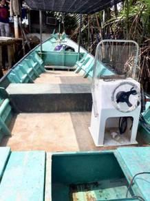 Boat bot 26x7 enjin 90hp
