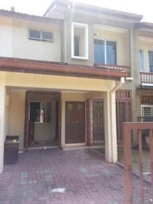 Double Stry House - For Rent Taman Pinggiran USJ , Subang Jaya