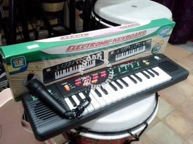 Keyboard Piano Digital (Radio FM) - 32 keys