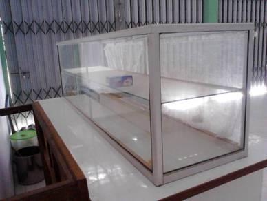 Display makanan material kaca