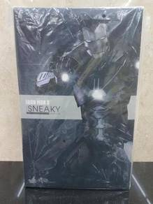 Hot Toys MMS348 Iron Man 3 1/6th scale Sneaky MISB