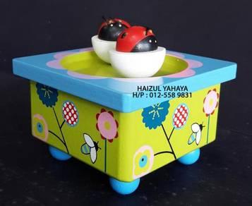 Ladybug/Ladybird Wooden Music Box1 (New Old Stock)