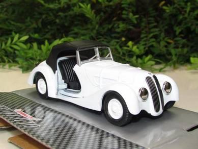 Welly 11CM BMW 328 White Classics Car 1938