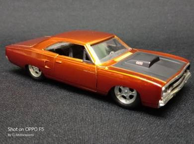 Plymouth Road Runner Furious 7 Diecast
