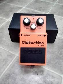 Boss DS-1 Distortion (Effect Pedal)