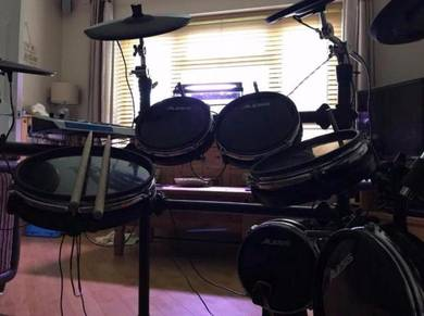 Alesis DM10 Electric Drum kit Enfield N21