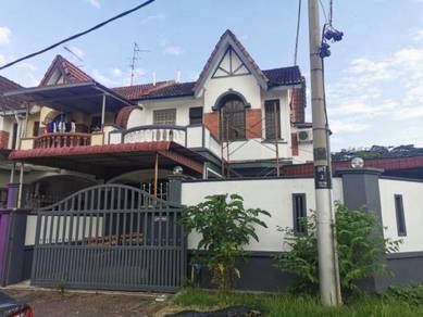 Double Storey Taman Daya Jalan Nibong / Negotiable / For Sale