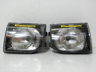 Mitsubishi Pajero V44 V32 V43 Head Lamp Light New