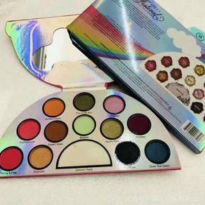 Too faced unicorn pallete �