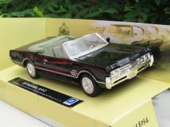 New Ray 1-43 Classics Car 1966 Oldsmobile 4-4-2