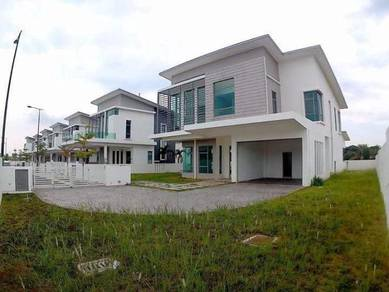 Double storey bungalow end lot kota seriemas