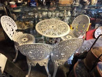Antique colonial cast iron garden chair table set