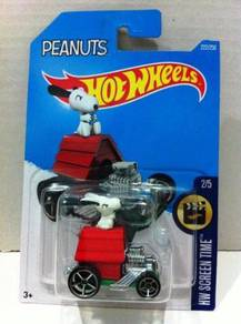 Hotwheels HW Screen Time Peanuts Snoopy #2 Red