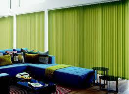 Vertical n roller blind