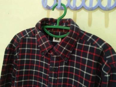 Flannel Uniqlo shirt