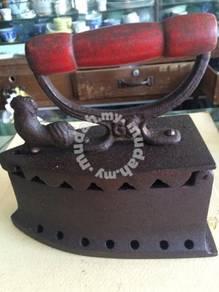 Antique Charcoal Iron 006 Seterika Antik